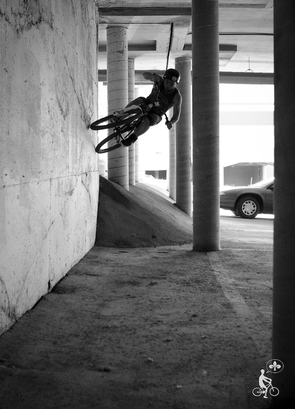 Tight wallride